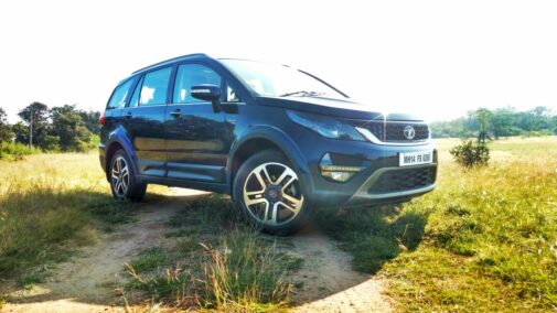 Tata Motors Hexa front three quarters