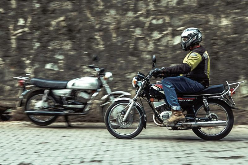 dream run yamaha rx100 twin review motoring world