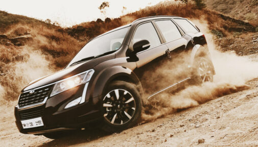 Mahindra XUV500 AT