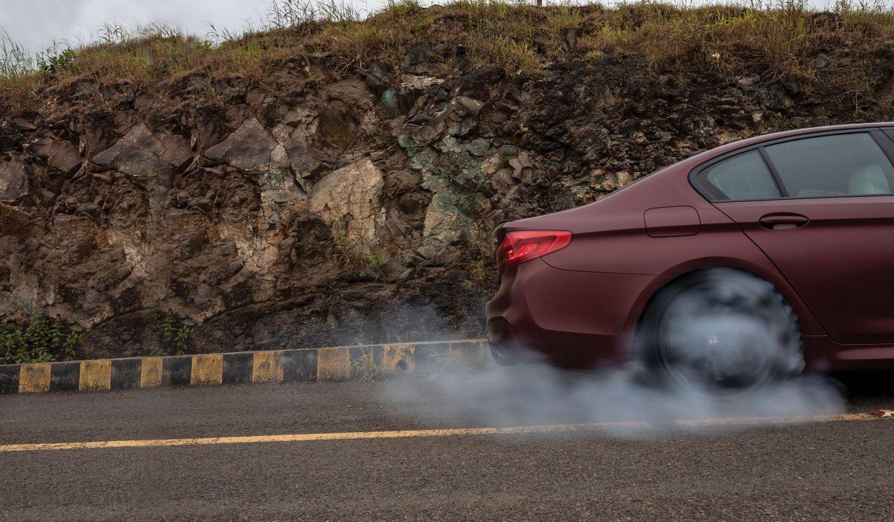 BMW M5 Burnout