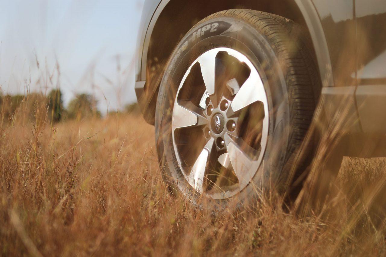 Mahindra Alturas Wheels