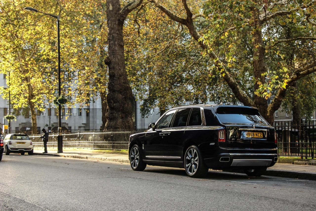 Rolls Royce Cullinan Rear